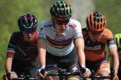 Katarzyna Niewiadoma, Anna van der Breggen & Annika Langvad