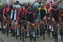 The women's peloton on Haaghoek